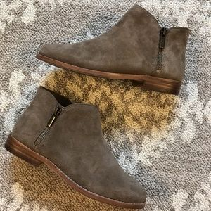 Sole Society So-Bevlyn Tan booties - Size 6